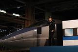 500系新幹線とニシ・タビト.jpg